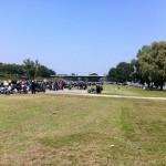 Zwischenstopp am Rheinufer beim Biker4Kids-Corso 2013